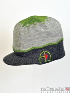 Winter Mütze mit Spitze