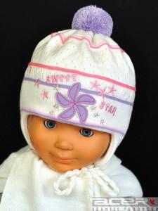 Mütze mit Stickerei und Pompon