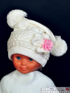 Girl beanie with pom poms