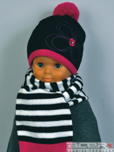 Beanie and scarf for girl