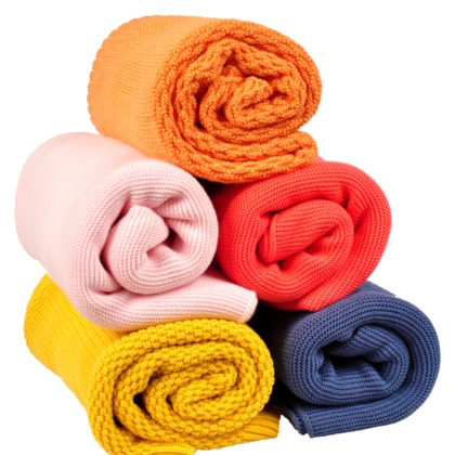 Knitted blankets made of cotton, bamboo and merino wool